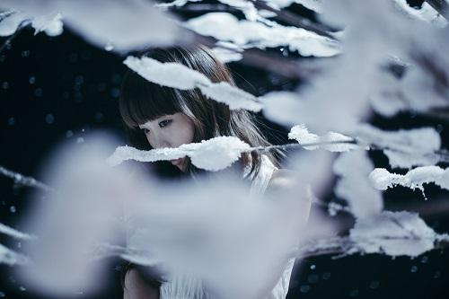 優しさと切なさを併せ持つ涙を誘う歌声!孤高の歌姫Aimerのおすすめ曲